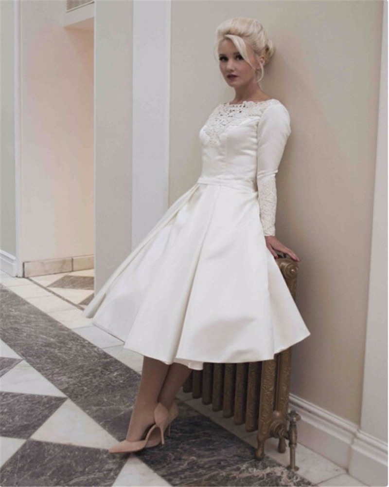 Noble Graceful Ivory Satin Short Prom Dresses With Long Sleeve Elegant Lace Scoop Neck Appliques Party Gowns Vestidos De Gala