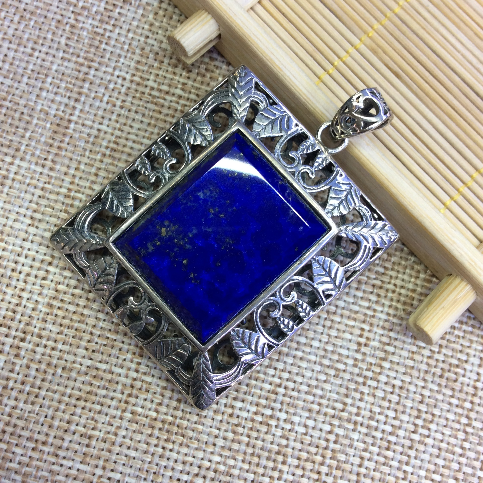 [S925] longnice silver silver Thai silver inlaid pure natural lapis lazuli stone hollow square pendant s925 sterling silver inlaid natural stone thai silver beautiful burning blue brooch female pendant new products