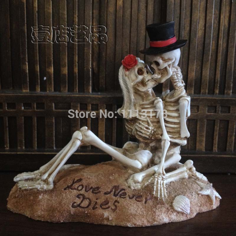 Beach Wedding Cake Topper Halloween Skull bride and bridegroom Figurine cake toppers decoration