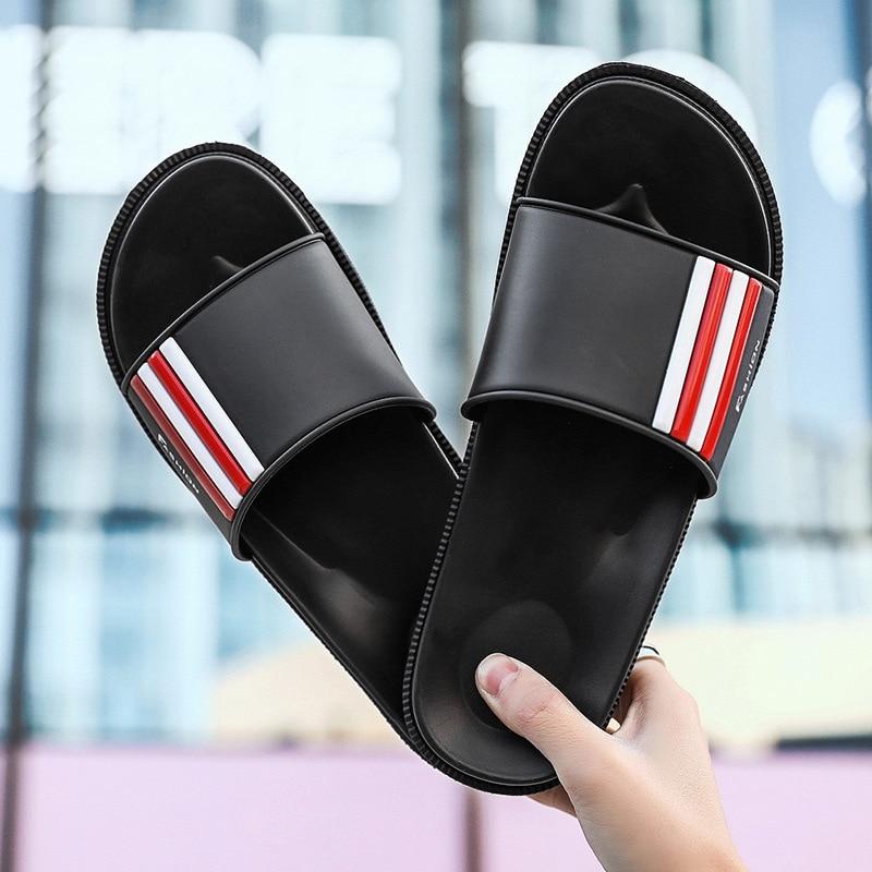 Aufstrebend Neue Männer Hausschuhe Große Größe Schuhe Sommer Outdoor Flache Beiläufige Schuhe Stilvolle Weichen Licht Design Bad Männlichen Hausschuhe Gleitschutz