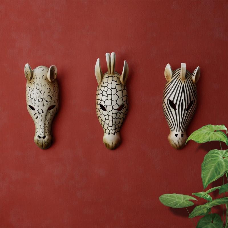 Design Toscano Animal Masks of the Savannah 41 cm Full Color Polyresin Set of Three Giraffe Zebra and Elephant Wall Sculptures Exotic African Decor