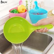 BXLYY Plastic Long Handle Water Scoop Kitchen Cooking Spoon Children Bath Accessories Baby Shower.7z