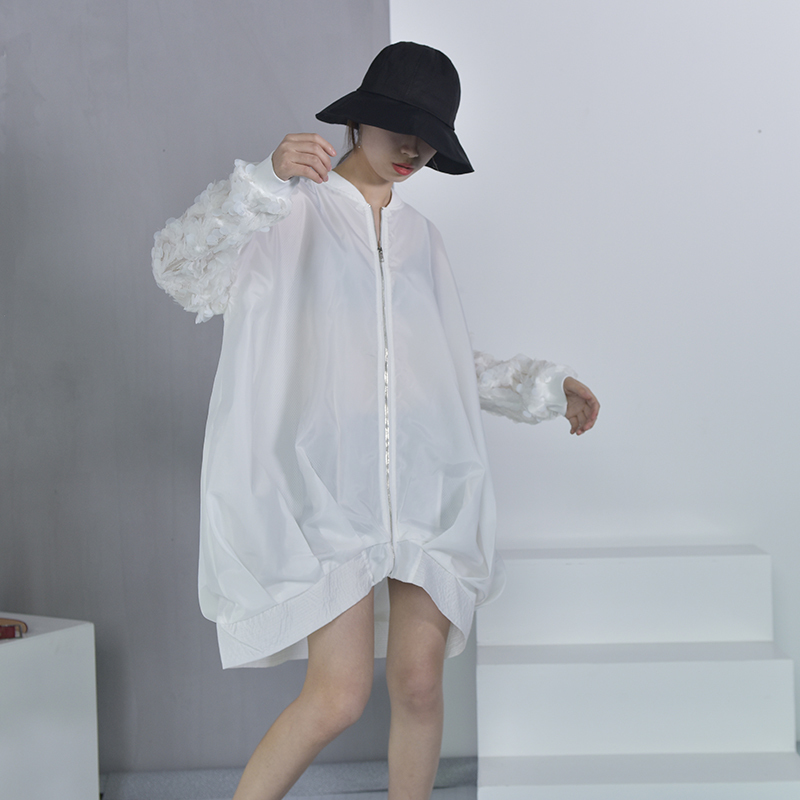 [EAM] 2018 New Street Coat White Sequined Collar Long-sleeved Loose Large Size Zipper Jacket Women Wholesale AS17301