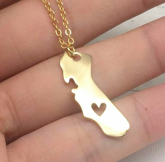 2016 new fashion gold california usa heart metal map necklace samll 2016 new fashion gold california usa heart metal map necklace samll charms pendant necklaces women fashion jewelry girl gifts in pendant necklaces from aloadofball Image collections