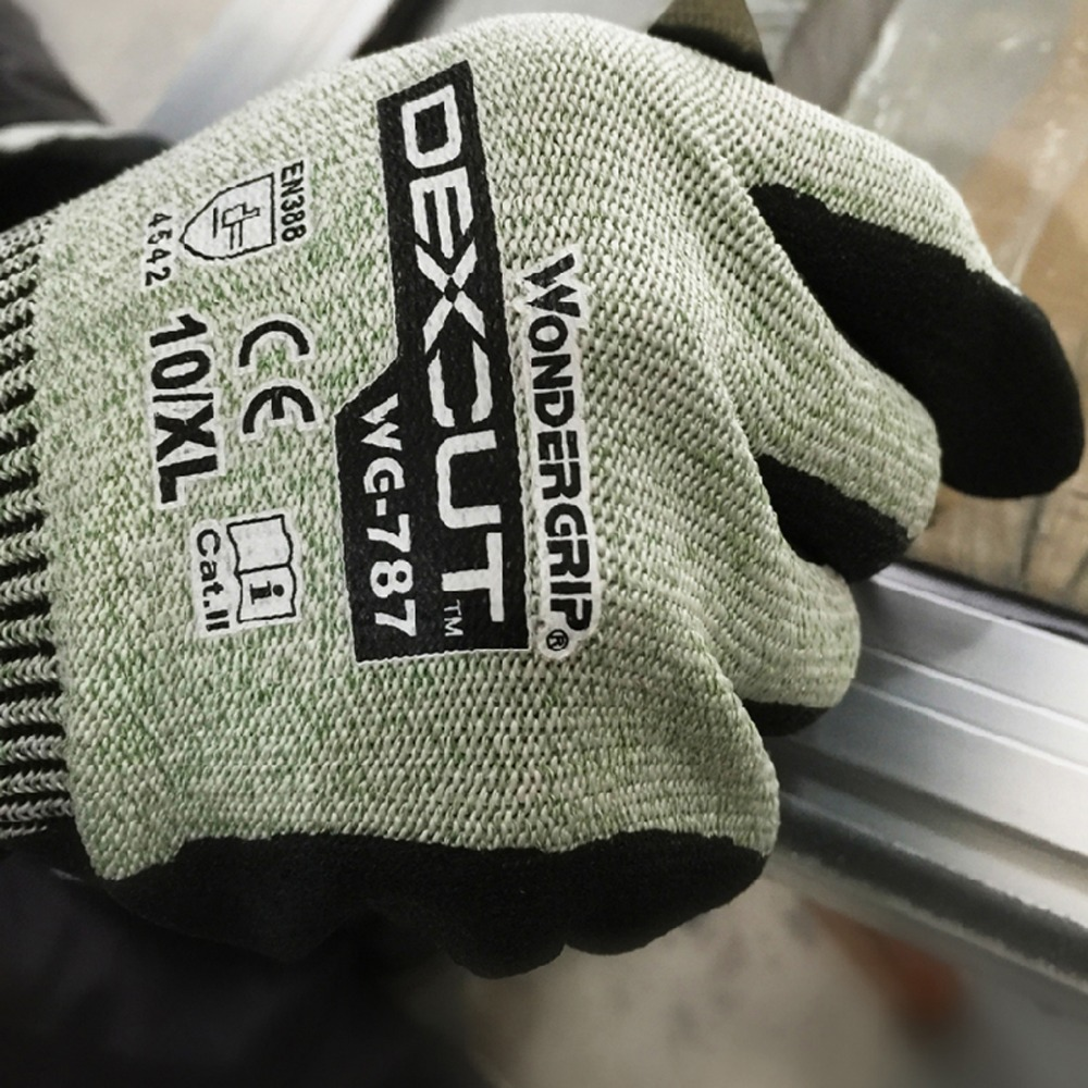 One pair of cut resistant gloves wear Enhanced oil resistant gloves Home Improvement in Household Gloves from Home Garden