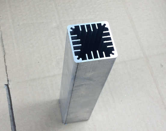 4 CM fan Kawin Terowongan Angin Radiator 40X40X200mm Heatsink/Sirkuit Daya Tinggi Pembuangan panas 40*40*200mm Radiator Sectional