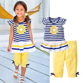 2016 комплектов одевая подсолнечника детские детская одежда костюм детей с коротким рукавом полосатой футболке + брюки roupas infantil meninas