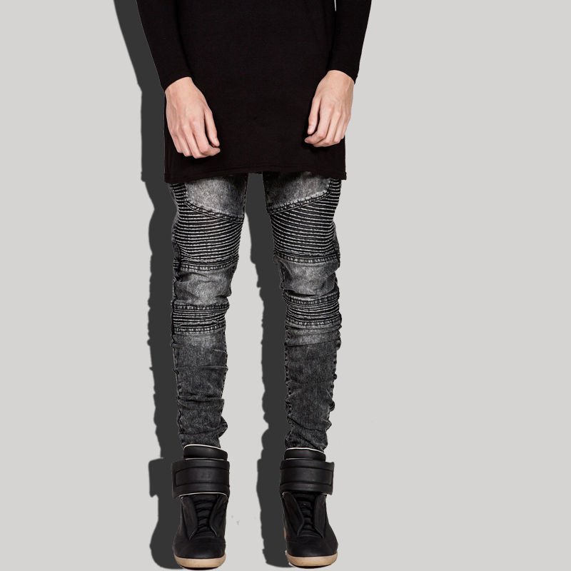 Express's collection of men's jeans includes styles like skinny jeans, bootcut jeans, and ripped jeans, so you can have a pair for every occasion! How men's skinny jeans should fit guys? Men's skinny jeans should not be too tight, as there should be stretch and you should be able to move comfortably in them.