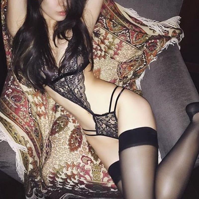 2019 New Sexy Women Bra Set Lace Deep V Erotic Underwear Lingerie Set Solid Color Bra Sets