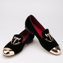 black men velvet shoes with skull buckle and gold toe British style men's loafers luxury men dress shoes men's falts
