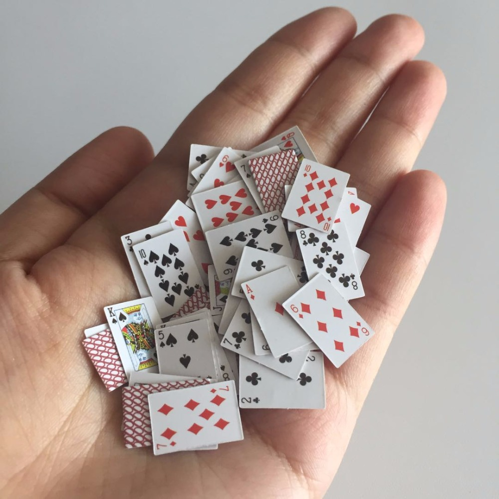 1:12 Funny Mini Poker Dollhouse Miniature Playing Cards game Model for BJD Kurhn Barbie Doll House Accessories Home Decoration