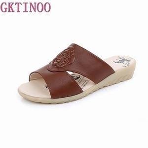 Image 1 - Летние удобные тапочки GKTINOO из коровьей кожи на платформе Низкие Шлёпанцы на танкетке пляжная повседневная женская обувь большого размера 35 42