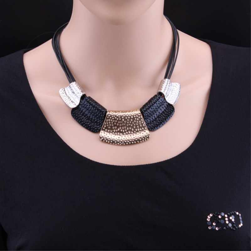 Hot Sale Maxi Necklace Colar Collares Bib Choker Chunky Woman Necklace Vintage Statement Necklace Jewelry Wholesale   8ND371