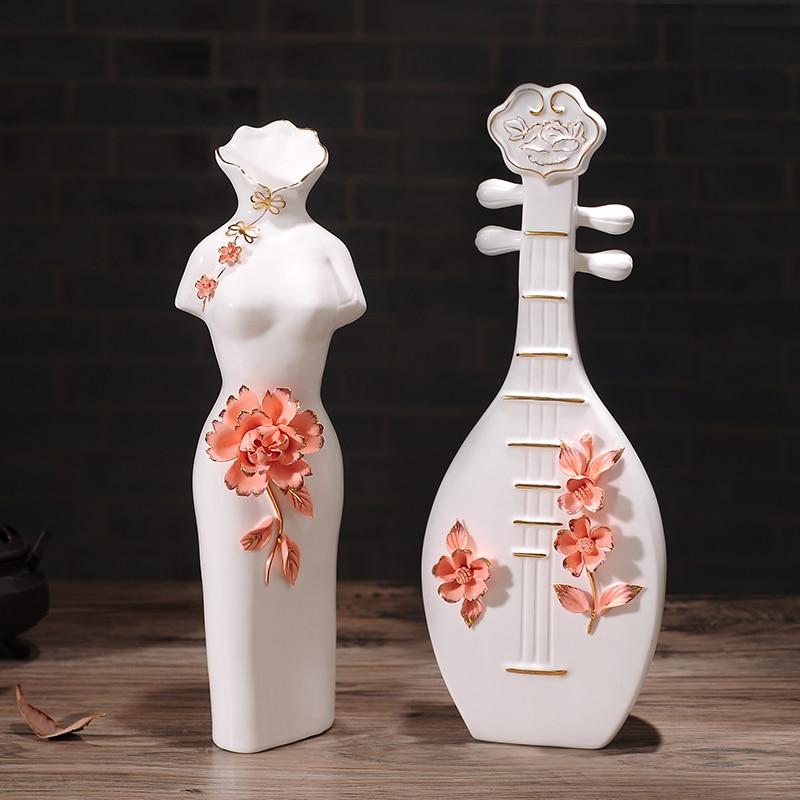 Style chinois maison céramique artisanat classique Arrangement de fleurs Cheongsam femme vase conception personnes figurines luth artisanat
