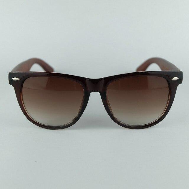 Design clássico Estilo Caminhantes Ao Ar Livre Óculos De Sol Com Bolsa de Óculos  UV400 Lentes 075266a85e