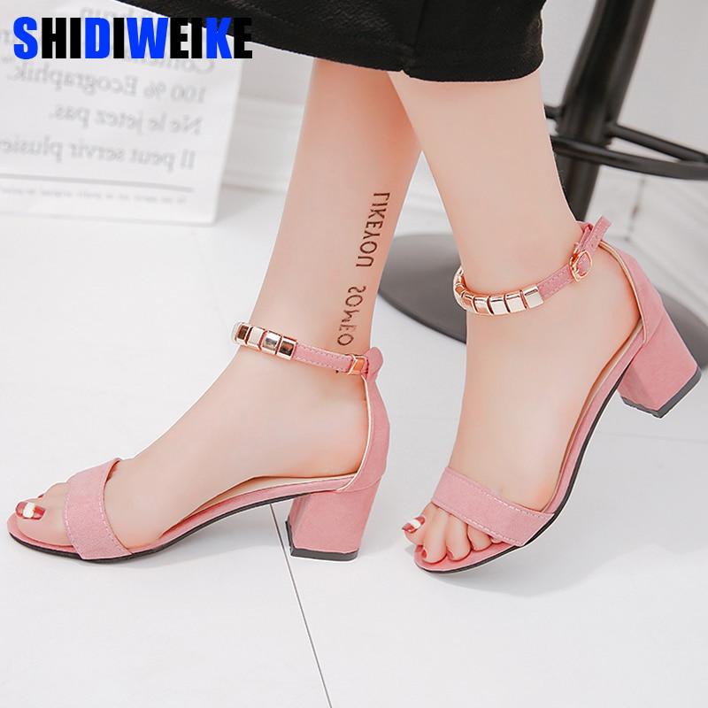 Sandalias de verano con cordones de metal para mujer, zapatos de punta abierta, Sandalias de tacón cuadrado para mujer, zapatos de gladiador de estilo coreano m668