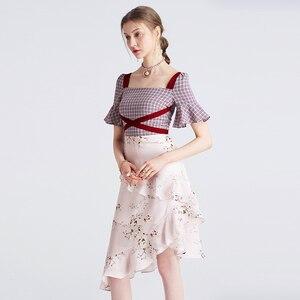 Image 2 - Yigelila 2019 mais recente feminino babados vestido moda quadrado pescoço alargamento manga na altura do joelho xadrez retalhos vestido de impressão 62769