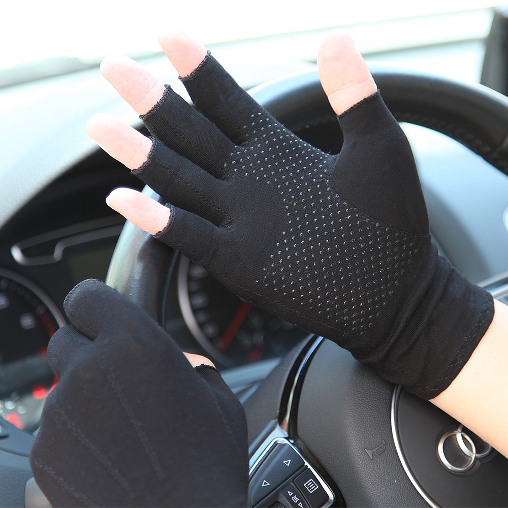 Summer Gloves Unisex Semi-Finger Sunscreen Gloves Man Woman Thin Non-Slip Driving Cotton Half Finger Mittens Male Female SZ109N