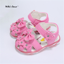 High-quality Baby Girls Flowers Sandals 2017 Summer Flashing Lights LED Shoes for Newborns Anti-slip Beach Shoes