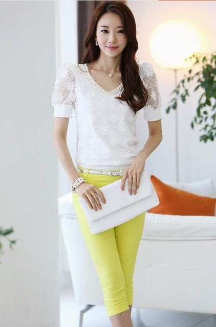 summer Women lace V-neck short-sleeved shirt Slim beaded chiffon shirt bottoming casual blouse 3