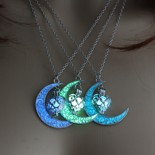2019 Glowing Moon Women Pendant Necklace  Charm Silver Plated Women Jewelry Fashion Luminous Love Necklace for Women Gifts