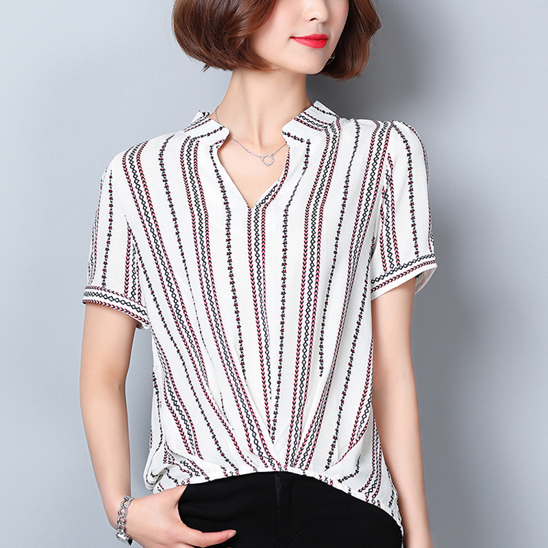 2018 Summer New Floral Printed Shirt Female Short Sleeve Striped Floral Women Blouse Loose Shirt Cotton Linen V-Neck Tops XZ102