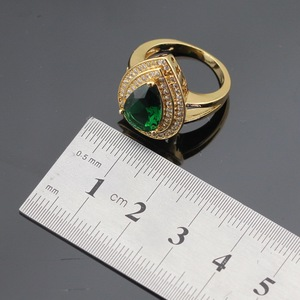 Image 3 - Pedras verdes cor do ouro conjuntos de jóias para mulheres pulseira brincos colar pingente anéis caixa de presente livre
