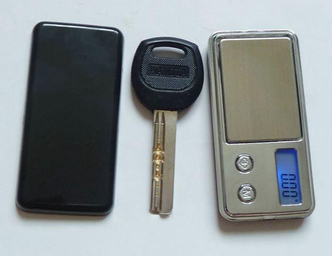 najmniejsza na świecie elektroniczna waga kieszonkowa Mini 100g x - Przyrządy pomiarowe - Zdjęcie 5
