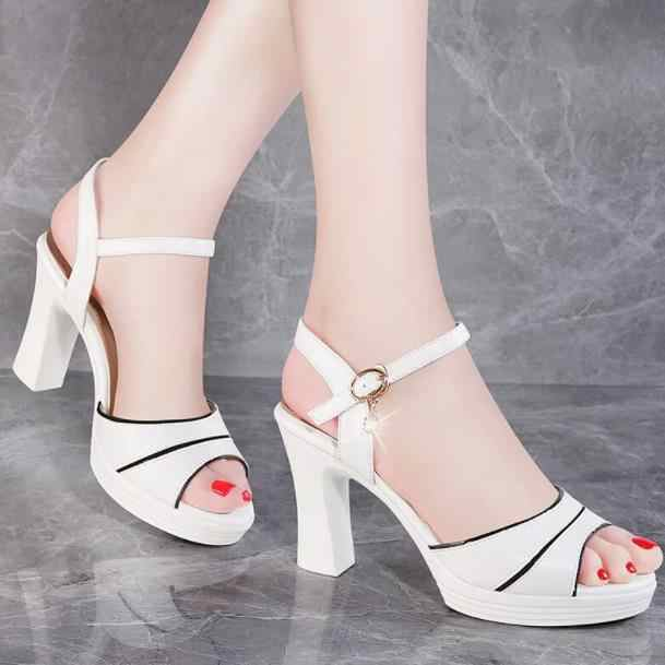0ab9f8ff18eb High-heeled sandals 2018 Summer new Korean version Princess thick heel  waterproof table white small