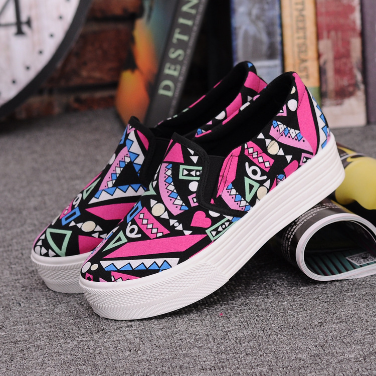 Canvas Shoes Women Girl 2016 New Footwear Female Slip On Platform Casual Shoes Flatform Autumn Graffiti Round Toe Loafers Flats (1)