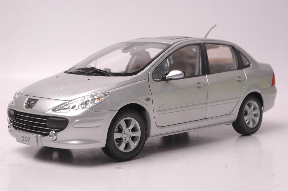 1:18 Diecast Model for Peugeot 307 Silver Sedan Alloy Toy Car Collection 308 1 18 ford focus sedan diecast car model for collection gifts hobby silver