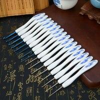 16 pcs Azul E Branco Da Porcelana Colher De Dobra Forma De Plástico Alça De Alumínio Conjunto de Crochê Agulhas de Tricô Crafts ferramenta de Tecelagem