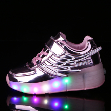 2016 New Children s Fashion Light Shoes with Wheel Boys and Girls Luminous Shoes with Singer