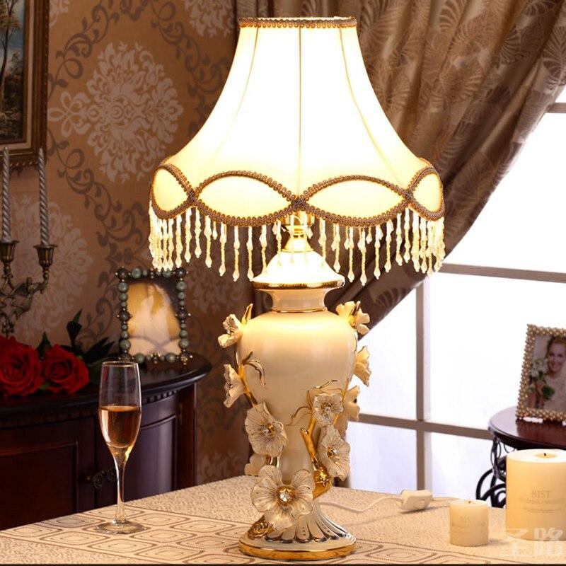 Nordique lampes de Table LED chambre chevet fleur en céramique Simple maison luminaire nouveauté salle de mariage Dimmable lampes de Table