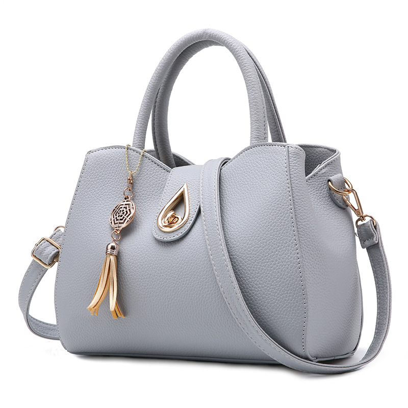 Women Leather Handbag Sweet Color Bags for Women 2017 Fashion Tassel Womans Hand