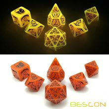 Bescon Glowing Halloween Dados Poliédricos 7 pcs Set, Luminous Halloween RPG Cortam o Jogo, brilham no Escuro Halloween Jogo DND Dice(China)