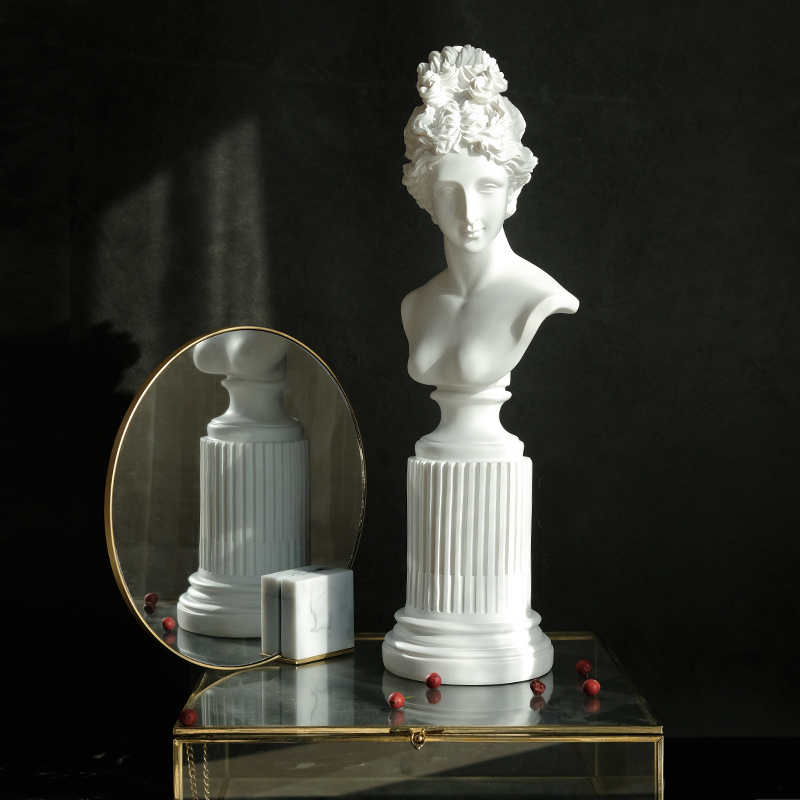 Art Figures Nordic Black White Statue Figurine Miniture