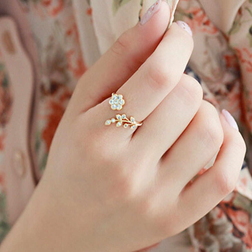 แฟชั่น Twisted ใบดอกไม้ Rhinestone เปิดแหวน Rose Gold สีแหวนผู้หญิงงบแหวนขายส่ง