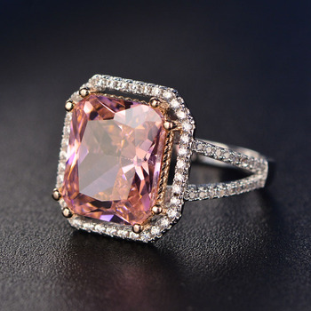 7ff6c671b4a6 Vintage mujer diamante cuadrado anillo de lujo 18 K oro rosa princesa  peridoto piedras preciosas de anillo de banda anillo de compromiso para la  joyería de ...