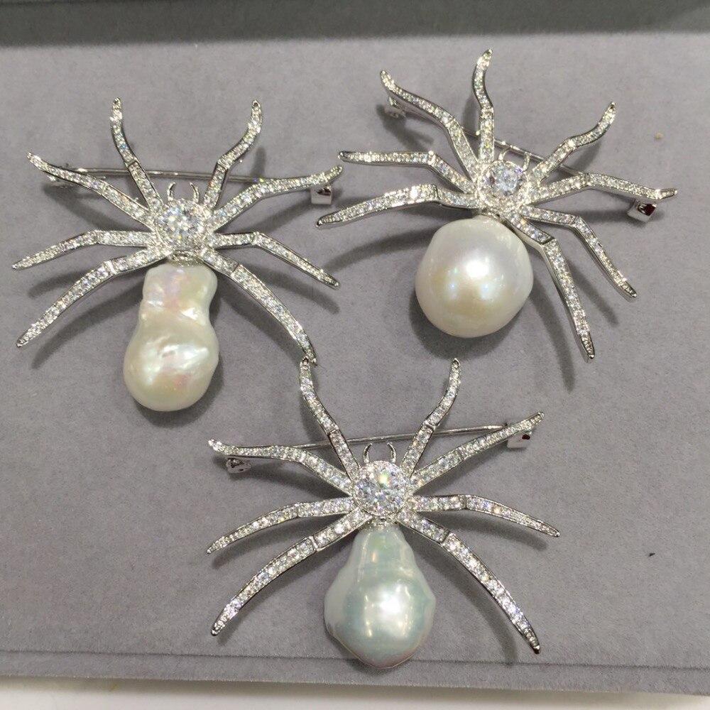 Couleur blanche grande taille naturelle eau douce perle araignée broche cuivre avec zircon cubique envoyer au hasard mode femmes bijoux
