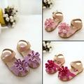 Meninas Da Criança do bebê Sandálias Flats Moda Sapatos Da Menina de Flor 2016 Roxo Vermelho Rosa Chaussure Fille Sandales Couro Sandálias de Praia