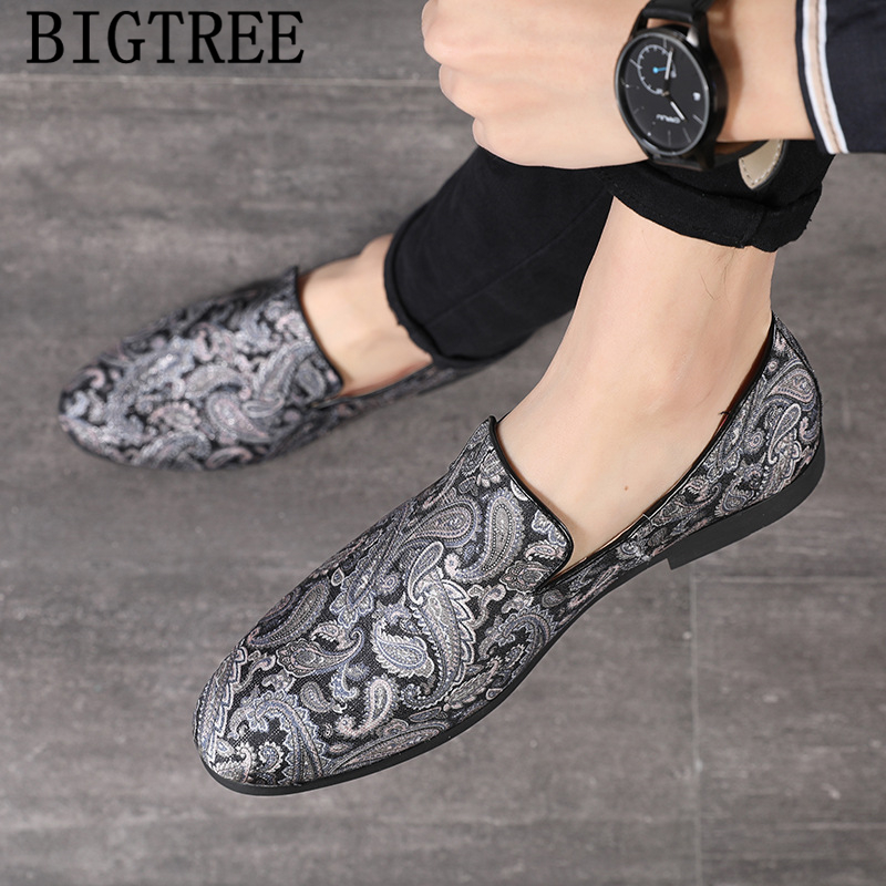 Loafers Men Embroidery Shoes Italian Brands Coiffeur Elegant Shoes Men Formal Vintage Shoes Men Dress Calzado Hombre Ayakkabi