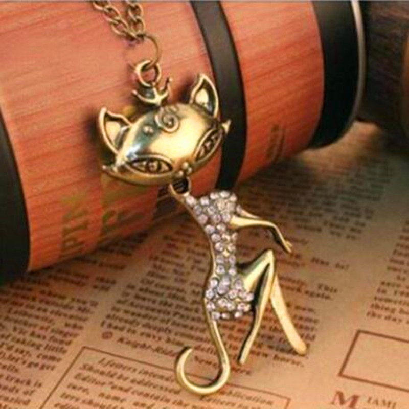 Hot Sales free shipping Vintage crystal fox Girl Necklace Sweater Chain fashion jewelry gifts wholesale New fashion jewelry