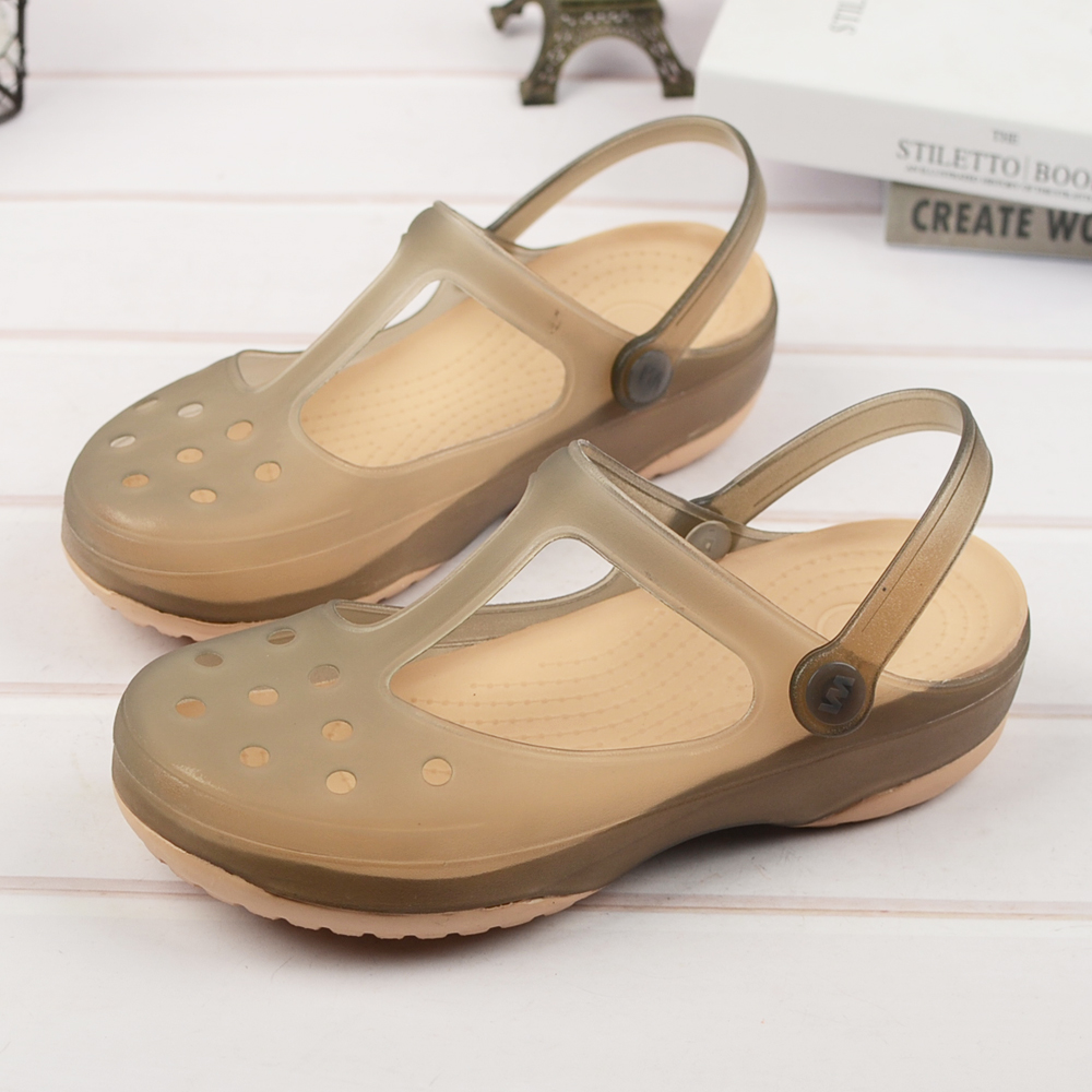 2019 Summer New Style Jelly Sandals Fashion Breathable Wedge With Hole Shoes Non-slip Beach Shoes.