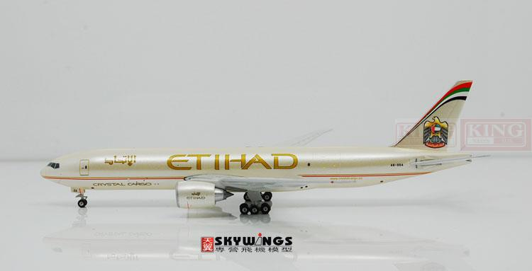 Phoenix B777-200F A6-DDA 1:400 10552 Etihad Airways commercial jetliners plane model hobby phoenix 11037 b777 300er f oreu 1 400 aviation ostrava commercial jetliners plane model hobby