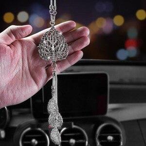 Image 1 - 2019New Auto Rückansicht Anhänger Lotus Kristall Auto Innen Ornamente Schneeflocke Auto Anhänger Schmuck Hängen Zubehör Dekoration