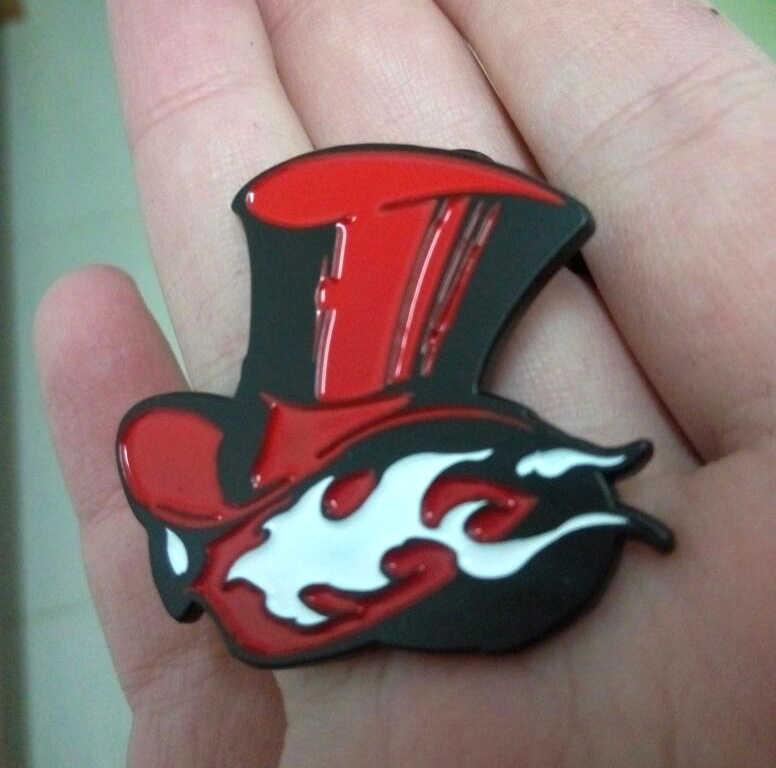 2016 Permainan Persona 5 P5 Mengambil Hati Anda LOGO Lencana Bros Pin Gantungan Kunci Gantungan Kunci Logam Cosplay Accoessires Hadiah Natal