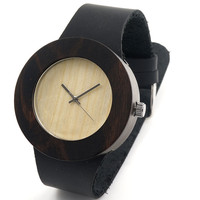 Reloj de madera y cuero minimalista