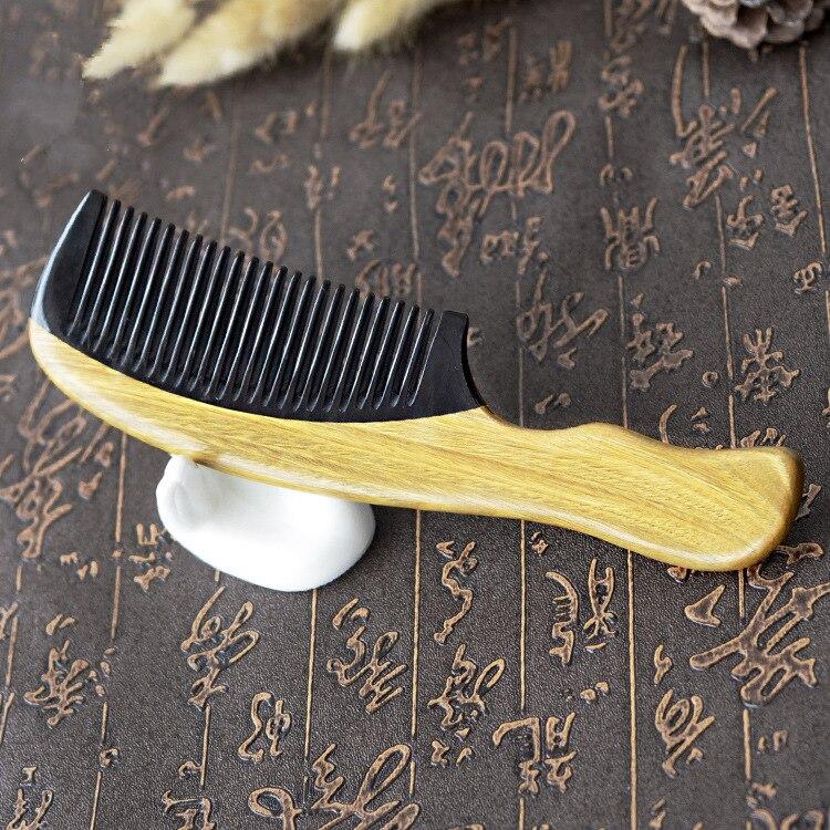 Купить с кэшбэком 1PC Quality Green Sandalwood Comb Natural Black Buffalo Horn Stitching Sandalwood Comb Wide Tooth Comb G0413