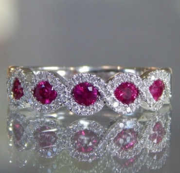 Elegant วงแหวนสีขาวเครื่องประดับอัญมณีผู้หญิง Anillos Mujer AAA rose red Cubic Zirconia แหวนแต่งงานเครื่องประดับของขวัญพร้อมแสตมป์